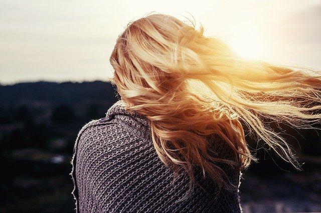 Kako oprati obojenu kosu